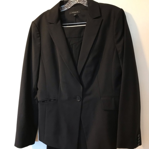 Ann Taylor Jackets & Blazers - ANN TAYLOR Black Wool Jacket/Pants 12